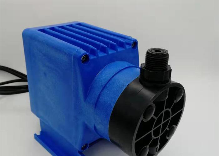 电磁隔膜计量泵(蓝色)-2.jpg