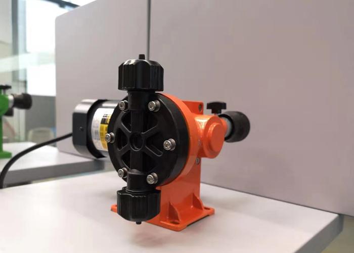 微型机械隔膜泵0-60升-2.jpg
