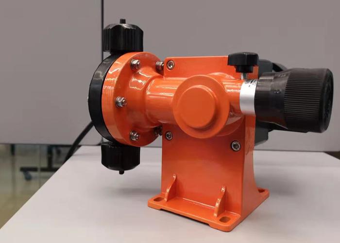 微型机械隔膜泵0-60升-1.jpg