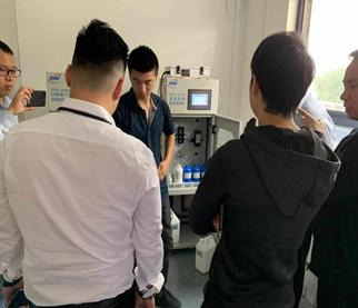 马来西亚经销商现场培训COD分析仪