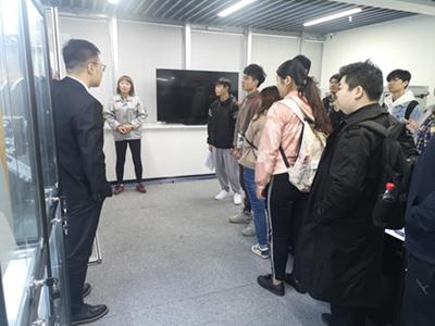 上海机电学生来公司参观