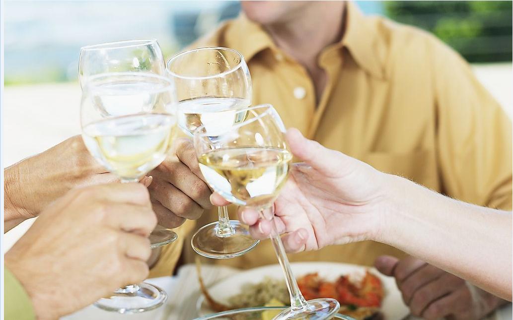 夏天喝白酒有哪些注意事项