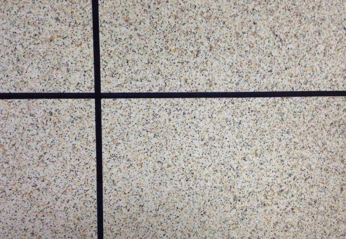 墻體涂料中抗堿封閉底漆在外墻真石漆系統中的重要性