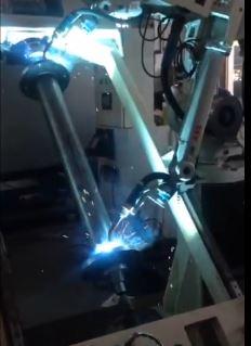 机器人电梯主轴焊接