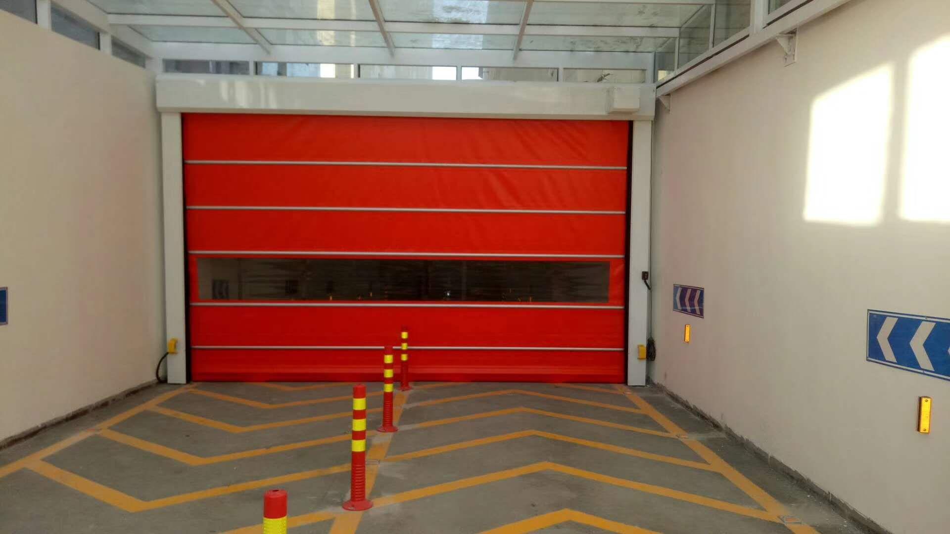 停车场卷帘门