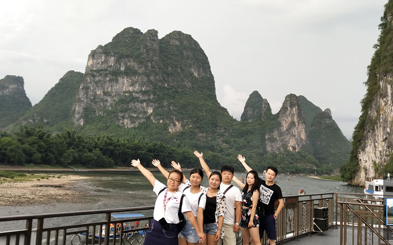 谷雨网络上半年荣誉员工桂林旅游奖励分享
