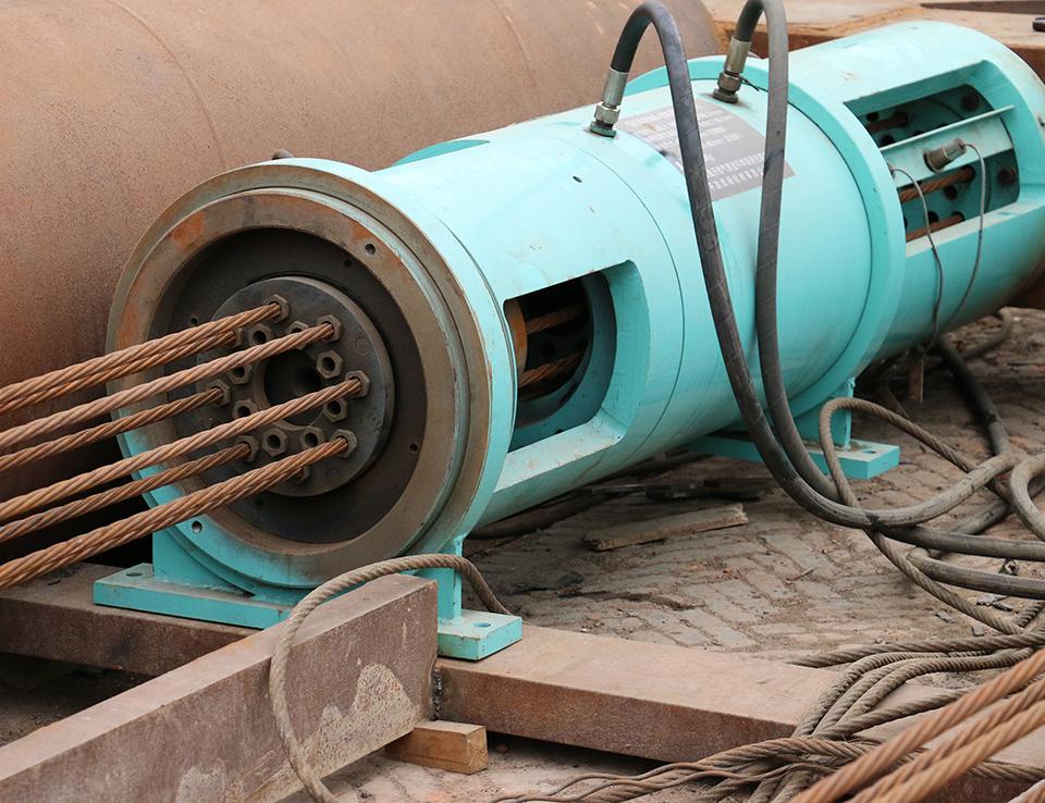 石油管道牵引机