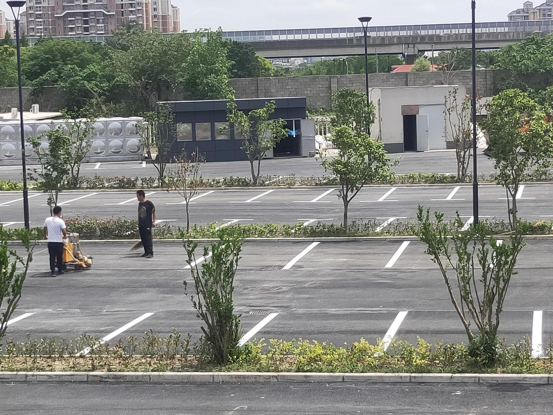 燎申智城二期车位划线项目圆满完成