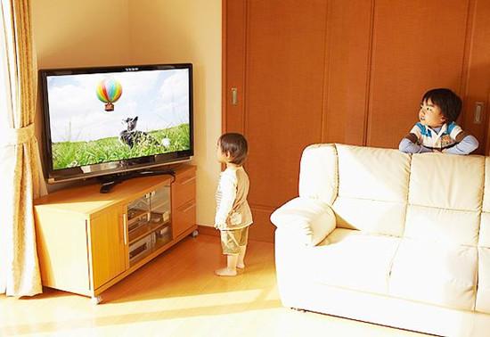 为什么不能给0~3岁宝宝看电视?