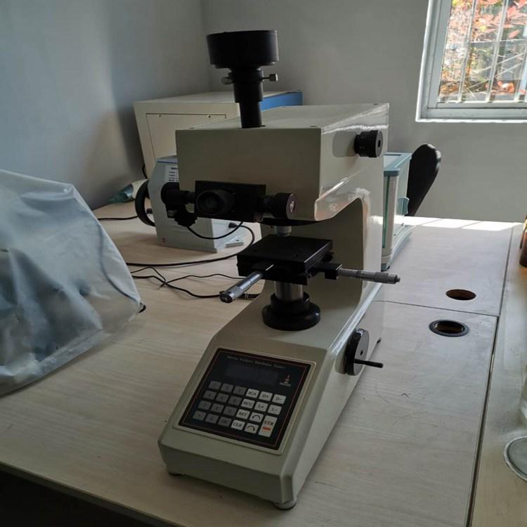 自动转塔显微镜
