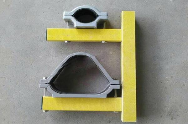 矩管型玻璃钢托臂配抱箍1.jpg