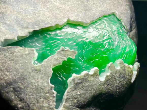 翡翠原石绿色