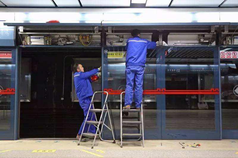 地铁真空吸尘口吸尘性能的研究