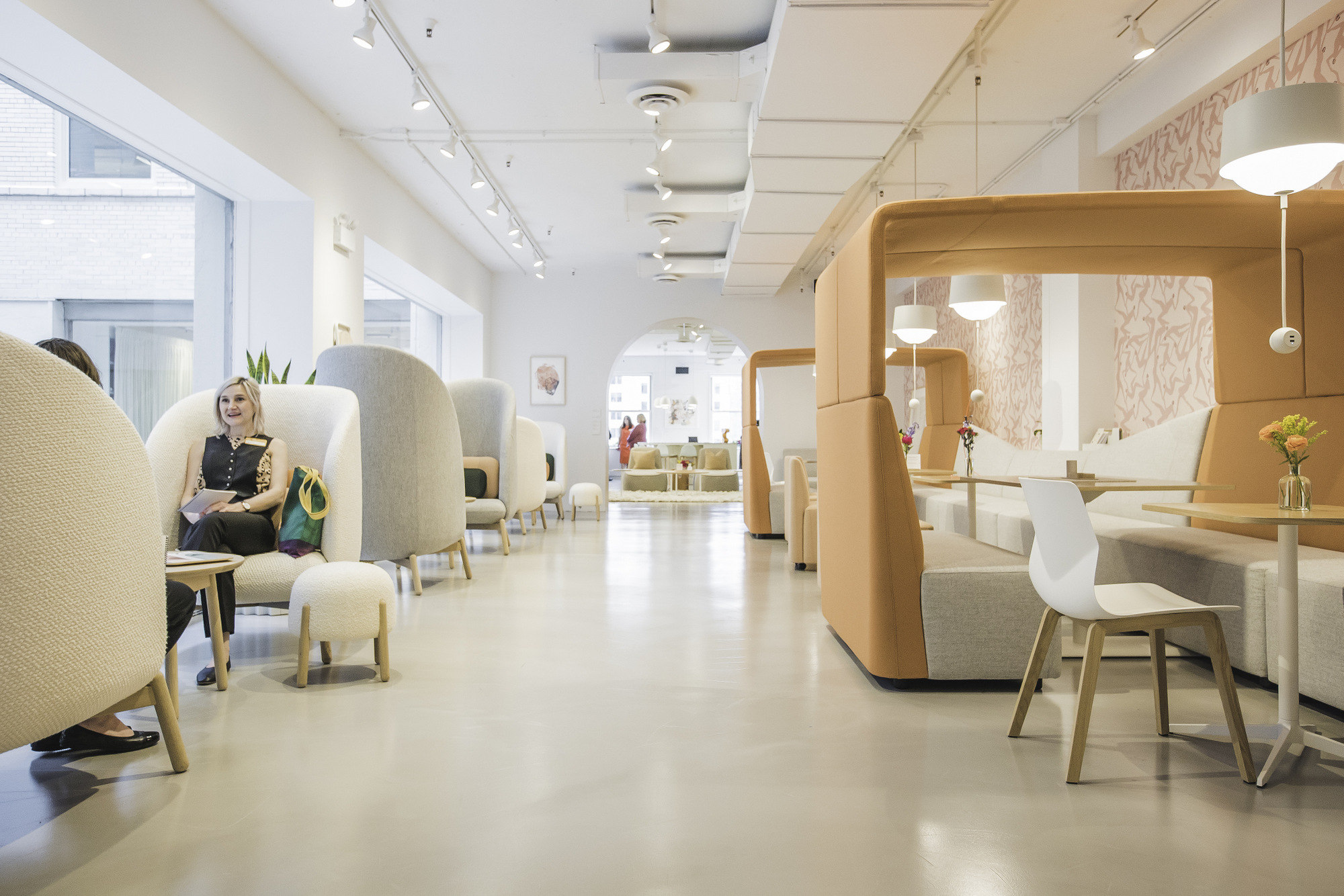 """办公室设计如何做到""""人-社会-环境""""的平 衡?"""
