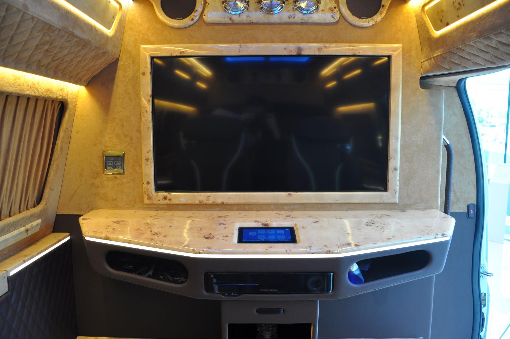 后舱隔屏 2M.JPG
