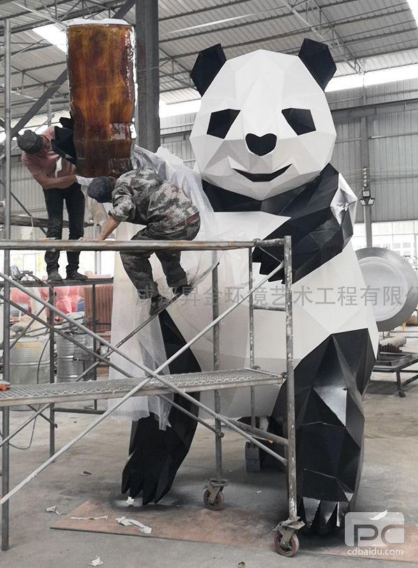 不锈钢块面熊猫雕塑4.jpg