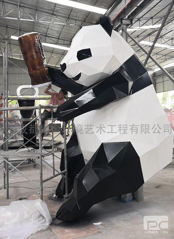 不锈钢块面熊猫雕塑3.jpg
