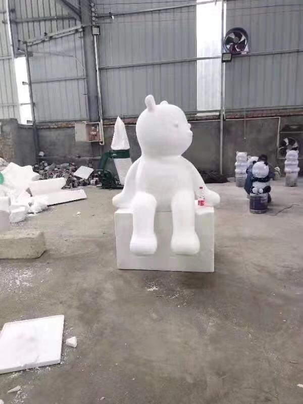 泡沫熊雕塑