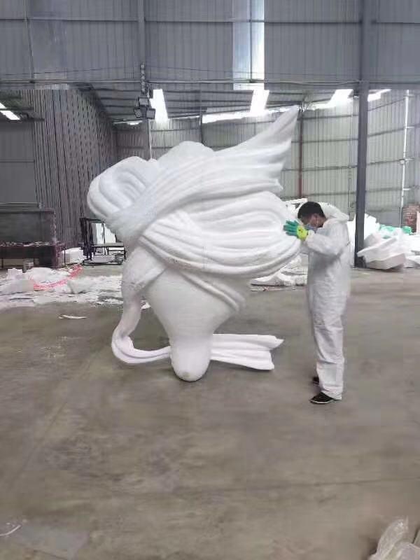 陀螺泡沫雕塑