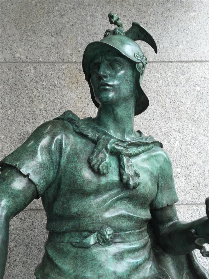 青銅鑄造圓雕