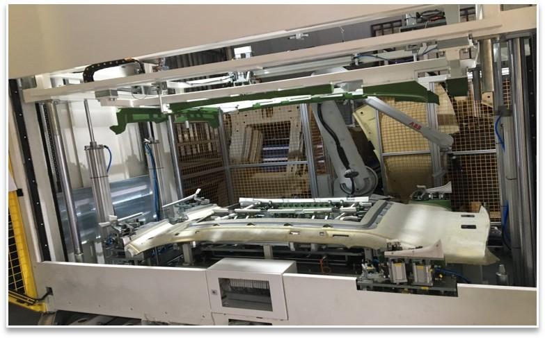 BMW G28 G20顶棚机器人喷胶/刚度检测/包边设备