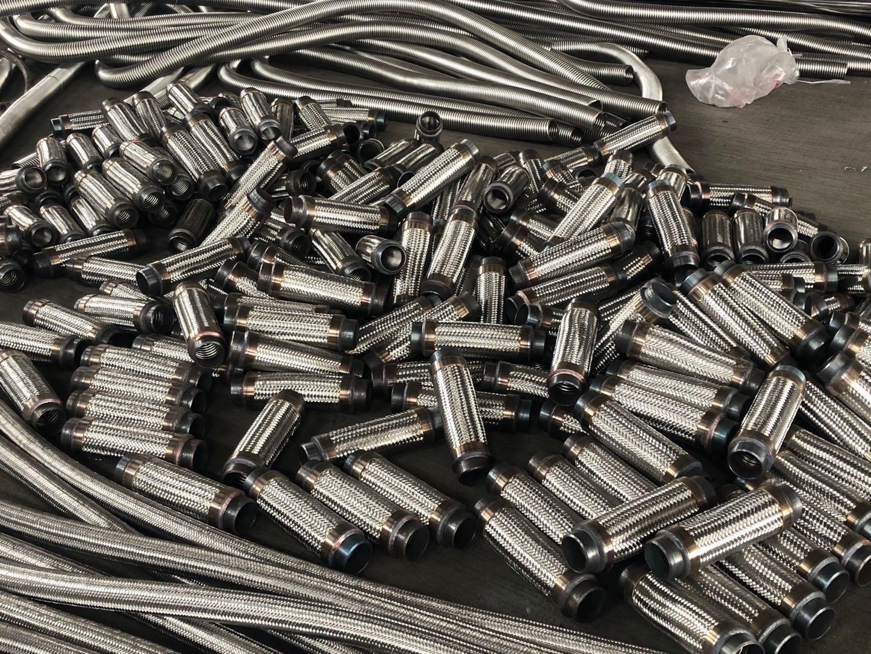 教你如何选购心怡的金属软管