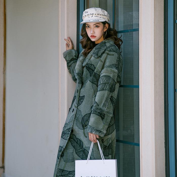 长款羊毛大衣
