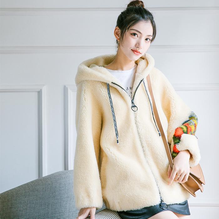 短款运动装羊毛大衣