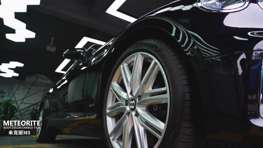 价值500多万的宾利新飞驰-METEORITE隐形车衣让爱车多一层防护