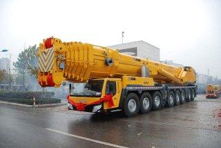 300吨吊车