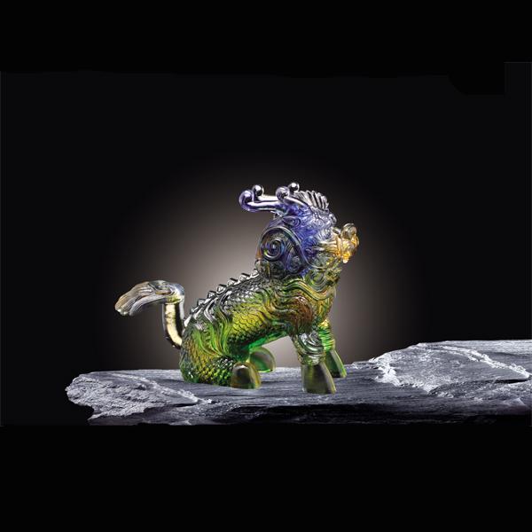 琉璃艺术是流动瞬间凝固的永恒