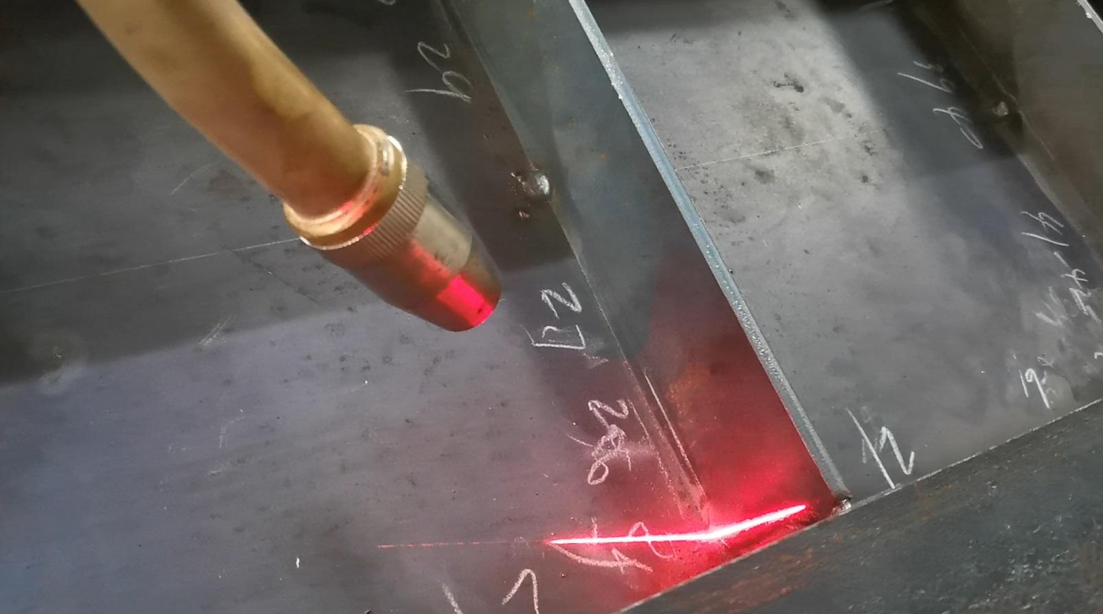 激光跟随焊接