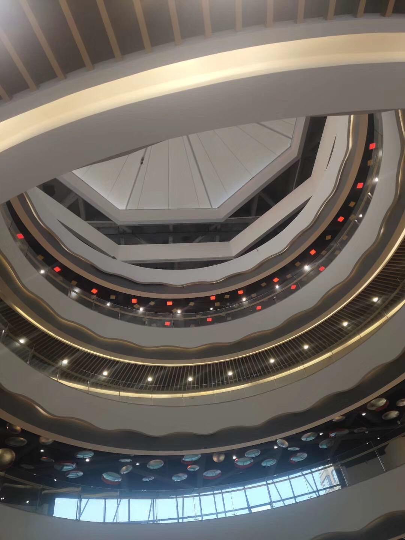好的购物中心外观设计可增加客流量!
