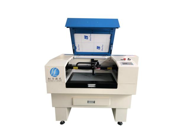 HL-6040单头摄像定位激光切割机.png