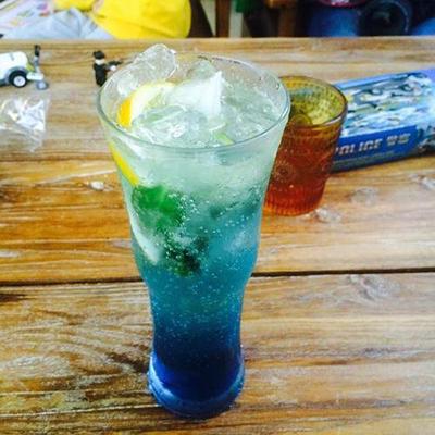 饮料中的色彩控制