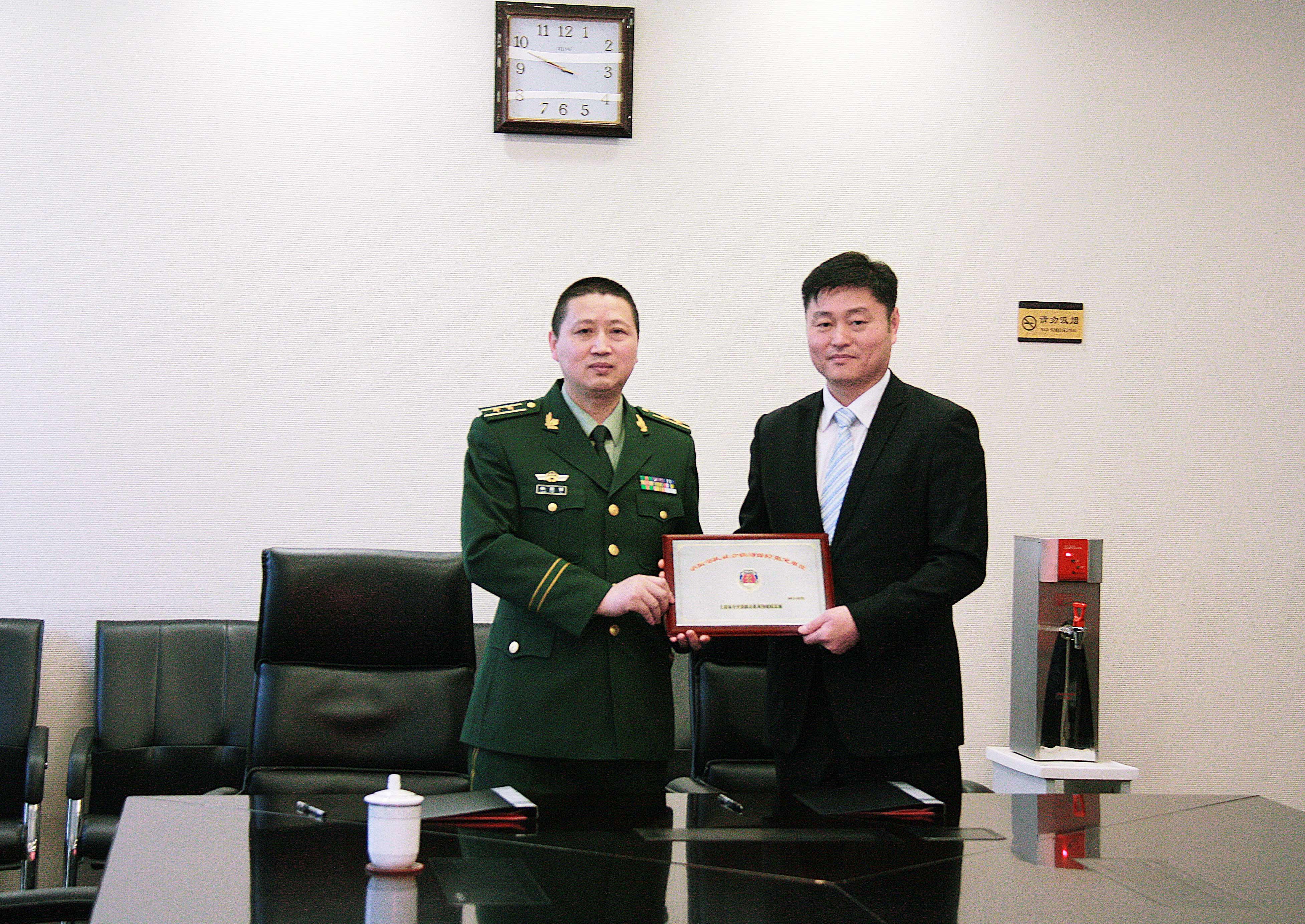 龙工签约成为上海消防联勤保证社会联动单位