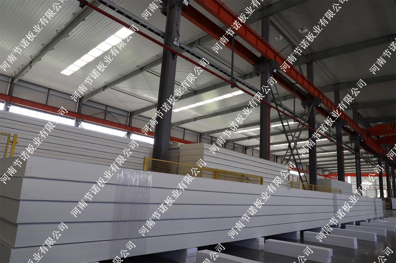 冷庫板——B1級200mm厚18米長聚氨酯冷庫板