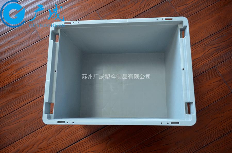 KLT4329物流箱內部
