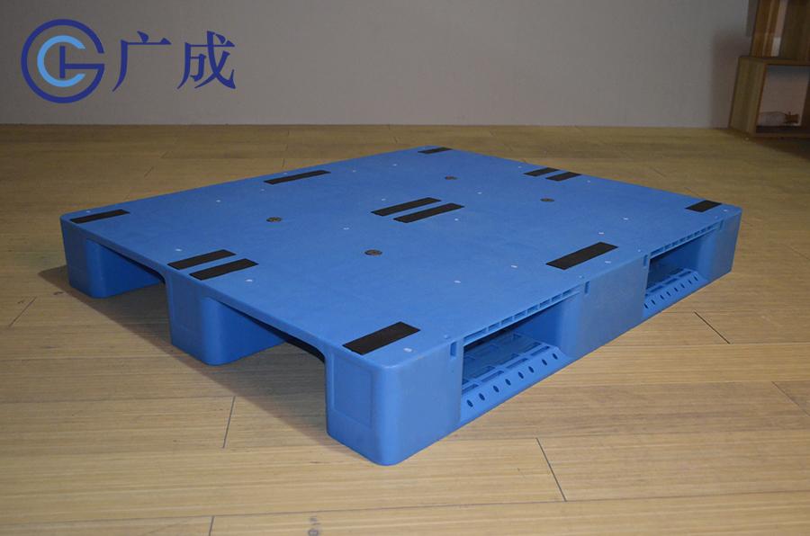 1210G平板川字塑料托盤正面