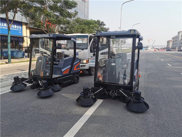 拓威克电动扫地车在下雨天能够正常使用吗?有什么注意事项?