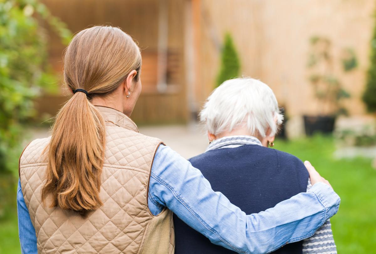 世界阿尔茨海默病日  改善老年痴呆?用吸氢机吸氢试试看!