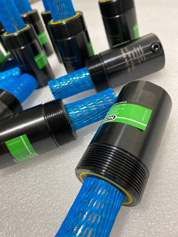 特殊尺寸和带螺纹安装定制氮气弹簧