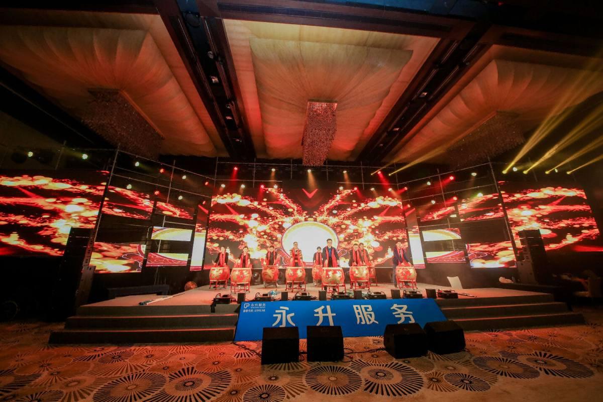 活动庆典会涉及到哪些舞台灯管设备?
