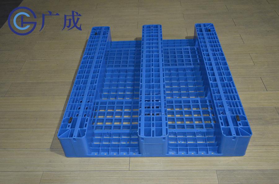 1210G网格川字塑料托盘底部