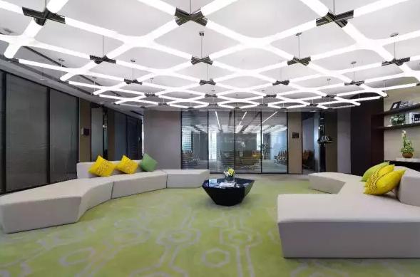 玻璃隔断让办公室装修变得更加简单