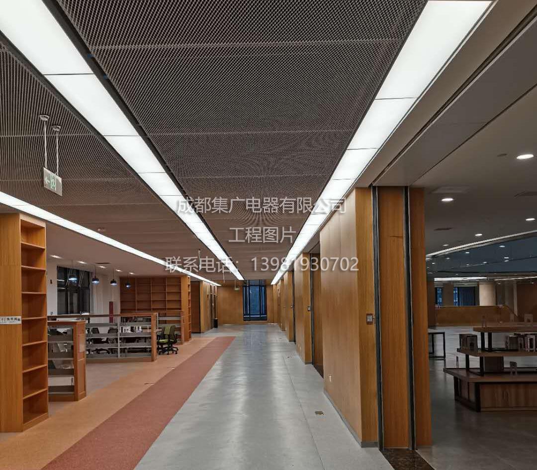 工業學校圖書館防眩光照明.jpg