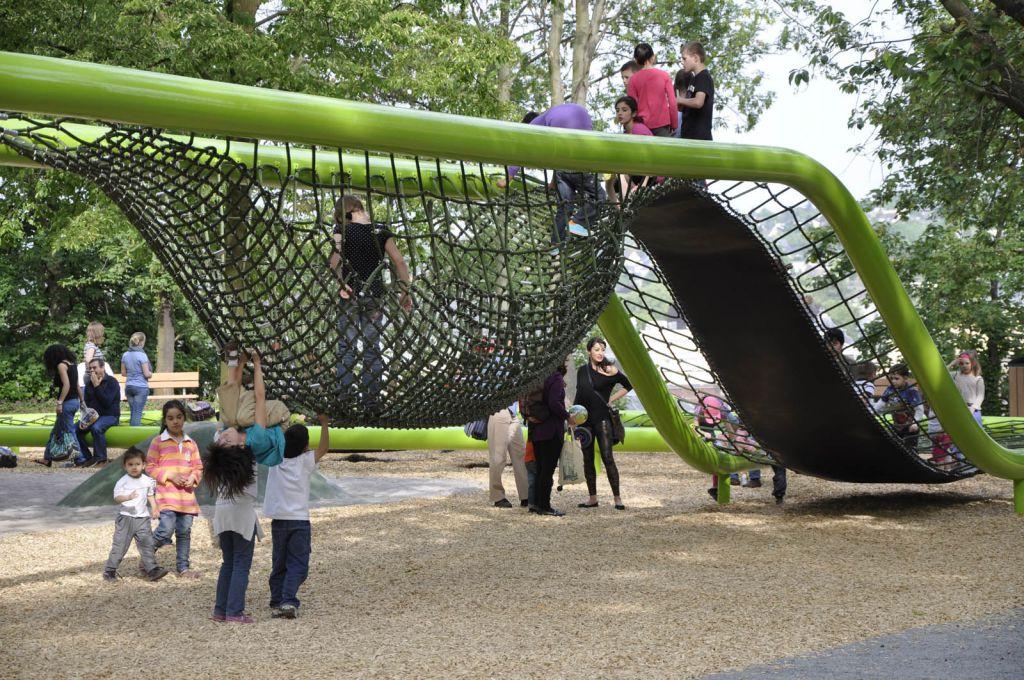 wiesbaden-sculpturalplayground-playequipment-custom-corocord-loops-slide.jpg