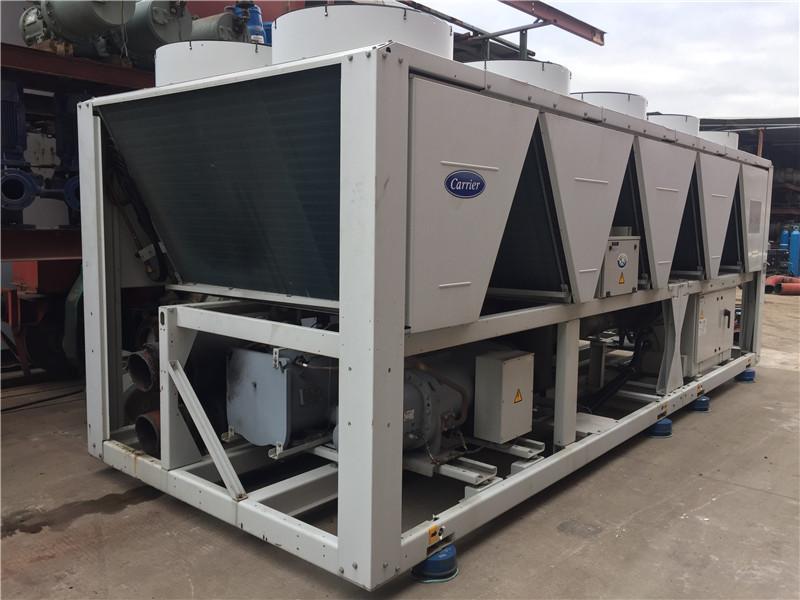 开利风冷热泵30XQ1002系列,采用双压缩机