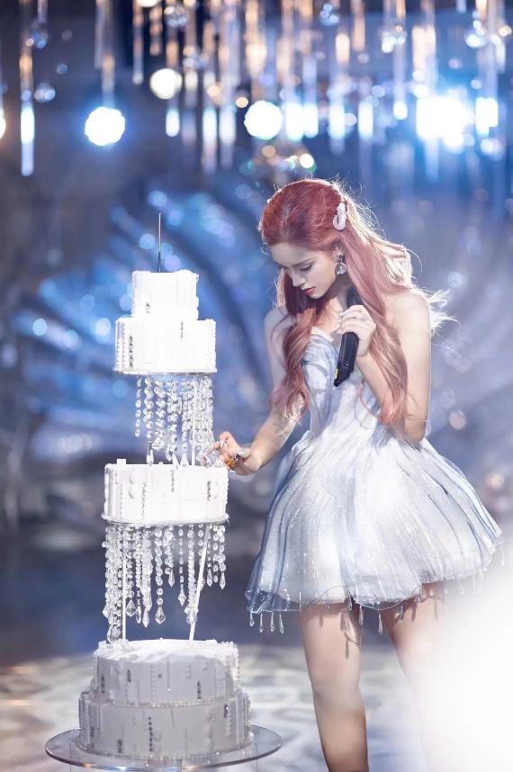 3D打印定制生日礼服,打造水晶质感宛如梦幻|杭州博型3D打印创意设计