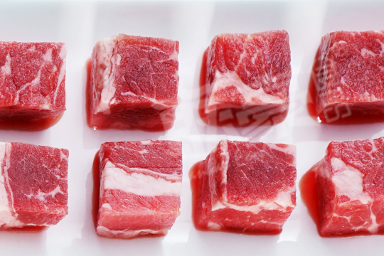 風情牛肉粒
